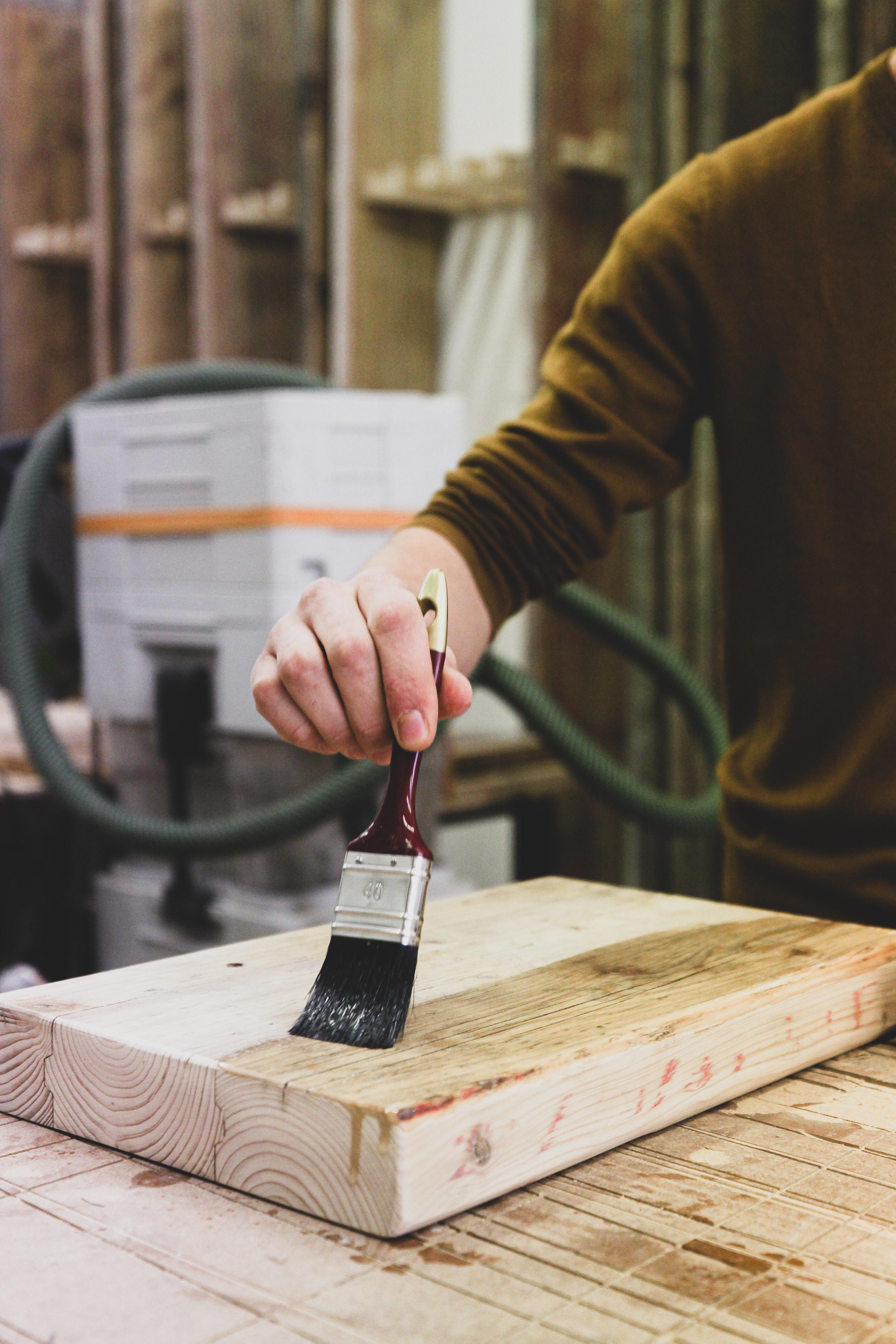 Põhivärvid puidu toonimiseks